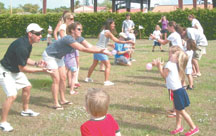 Parents and kids have a blast with the balloon toss. PHOTOS COURTESY OF STEVE REYNOLDS, GREATER MARCO FAMILY YMCA