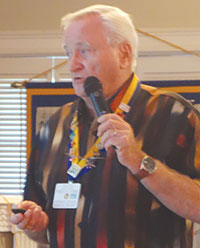 Speaker Bob Thomas addresses the Sunrise Rotary.