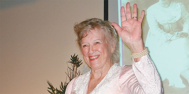 Betsy Perdichizzi as Tommie Barfield Photo by Maureen Chodaba